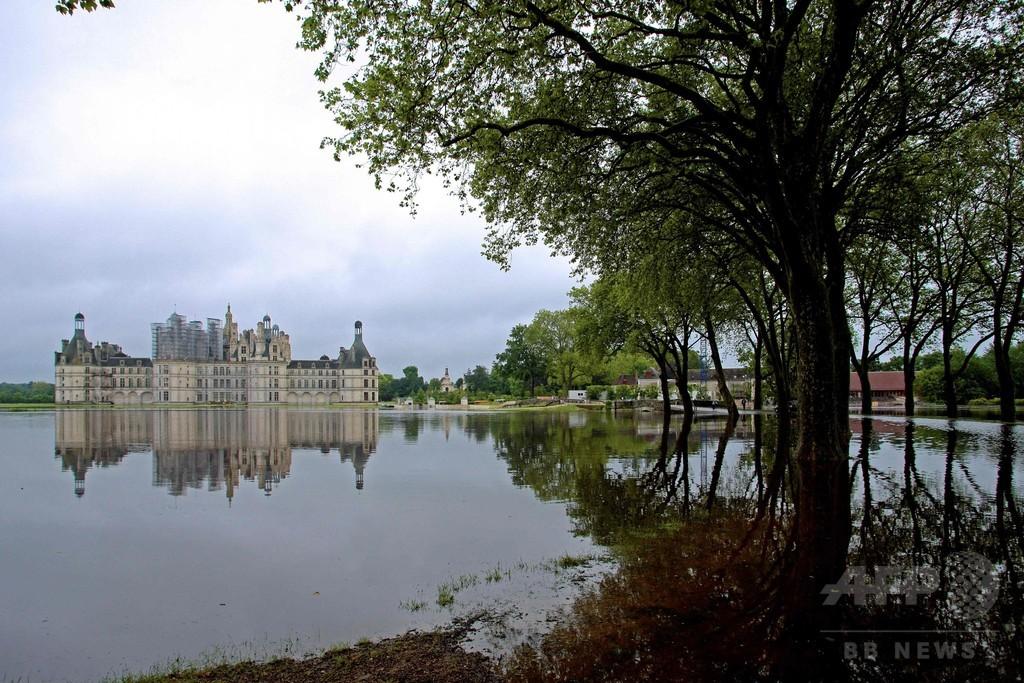欧州の洪水、独仏で4人の遺体発見 名所の城にも水迫る