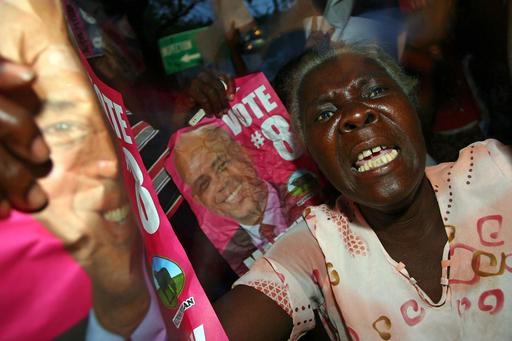 ハイチ大統領選、決選投票で歌手のマーテリー候補圧勝