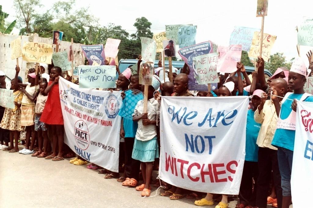 ガンビアで市民を拉致し魔術を強要、政府関与か