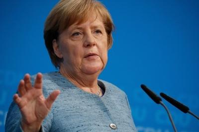 サウジへの武器輸出「現状ではあり得ない」 メルケル独首相