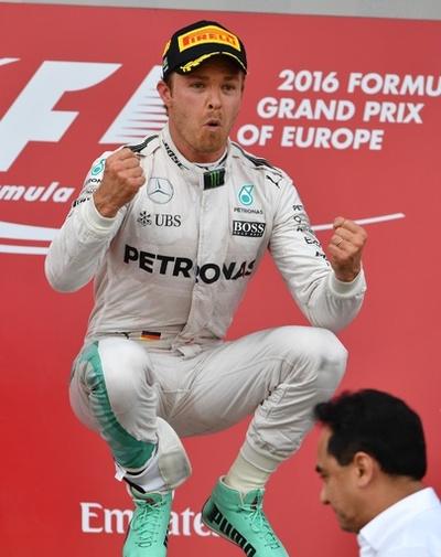 ロズベルグがF1初開催のバクーで優勝、ヨーロッパGP
