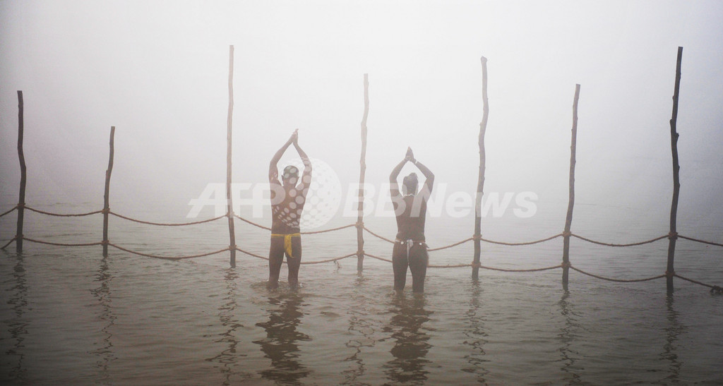 世界最大の宗教祭、ヒンズー教「クンブメーラ」始まる インド