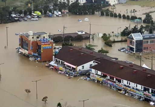 台風18号が韓国に上陸、9人死亡