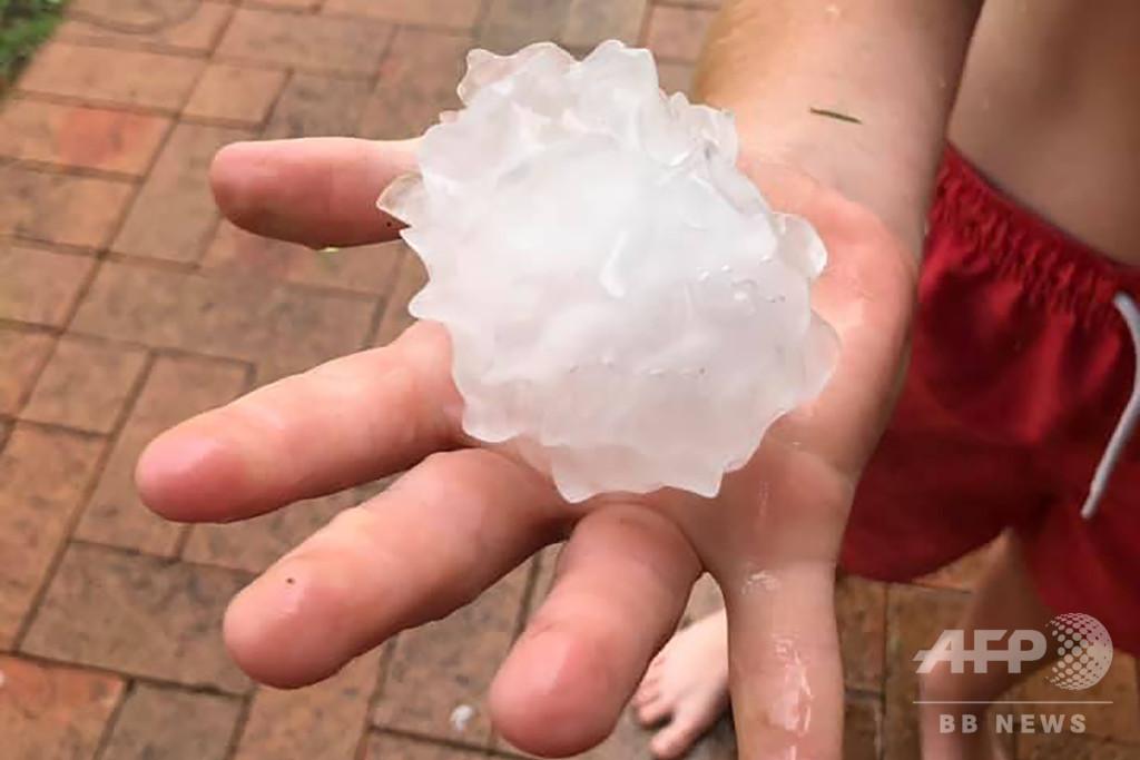 雷雨でテニスボール大のひょう 豪シドニー