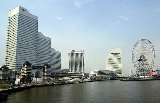 横浜の住販会社で発砲、3人撃たれる 男は自殺