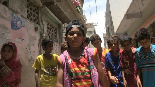 動画:「ストレイト・アウタ・カラチ」 暴力の町から生まれたヒップホップ パキスタン