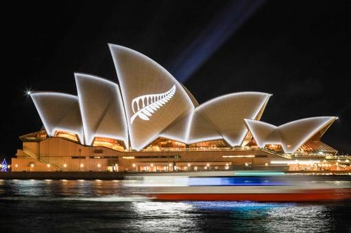 豪シドニー・オペラハウスにNZの象徴、銃乱射の被害者への連帯示す