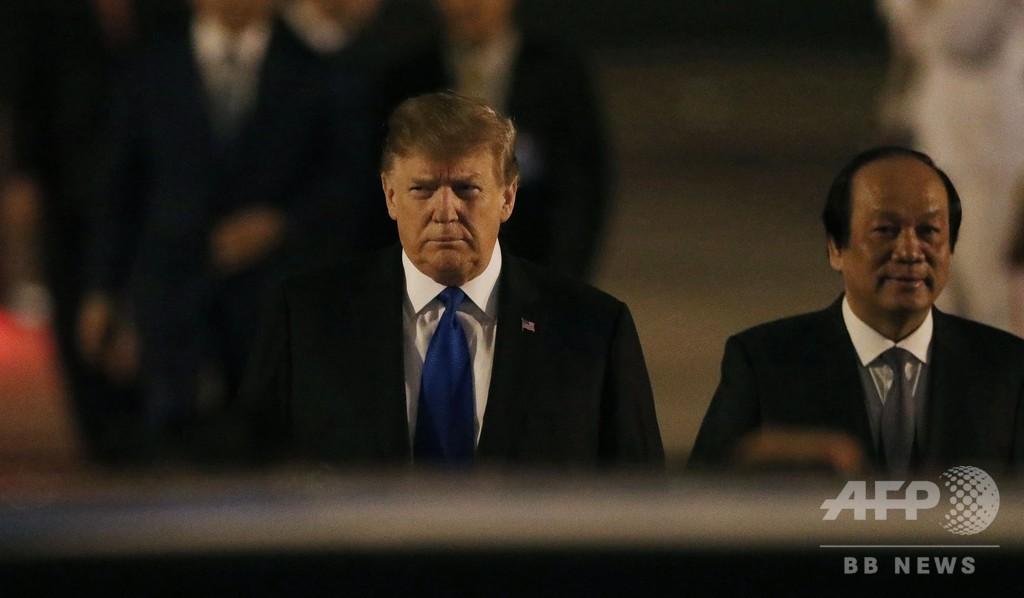 トランプ氏もベトナム入り 27日から米朝首脳会談