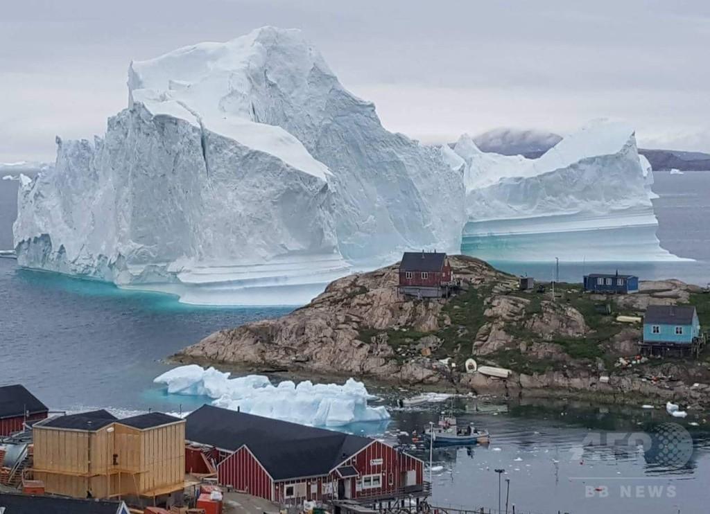 高さ100メートルの氷山、崩落で津波の恐れ 住民に避難勧告 グリーンランド