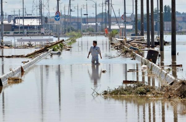 関東豪雨、3人死亡 少なくとも25人不明