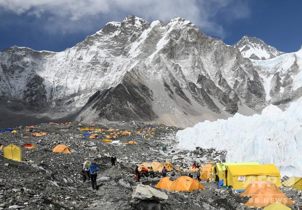 ネパール、エベレスト登山再開へ コロナ禍で不確実性残るも