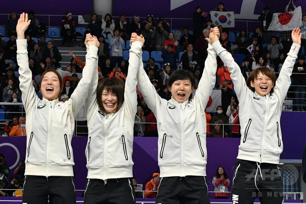 日本が女子団体追い抜きで金メダル、平昌五輪