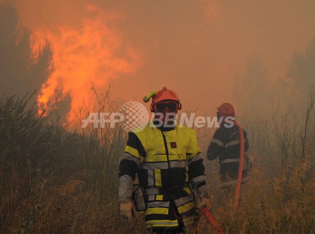 フランスで山火事、約900ヘクタールを焼失