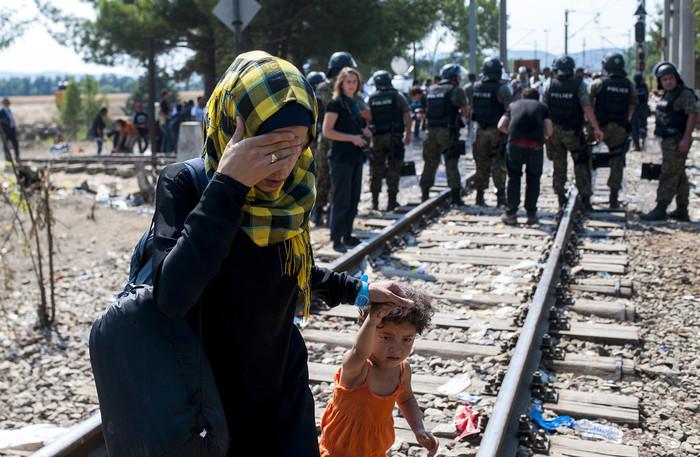 スイス、バルカン諸国に資金援助へ 難民危機