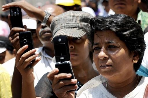 世界の携帯電話利用者、年内に50億人に ITU