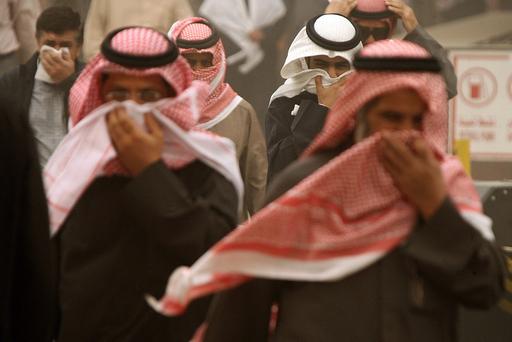 クウェート市で砂嵐が発生