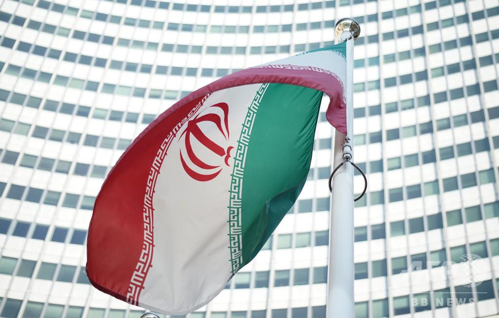 美容整形で「神を冒涜」 イラン、女性インスタグラマーを逮捕