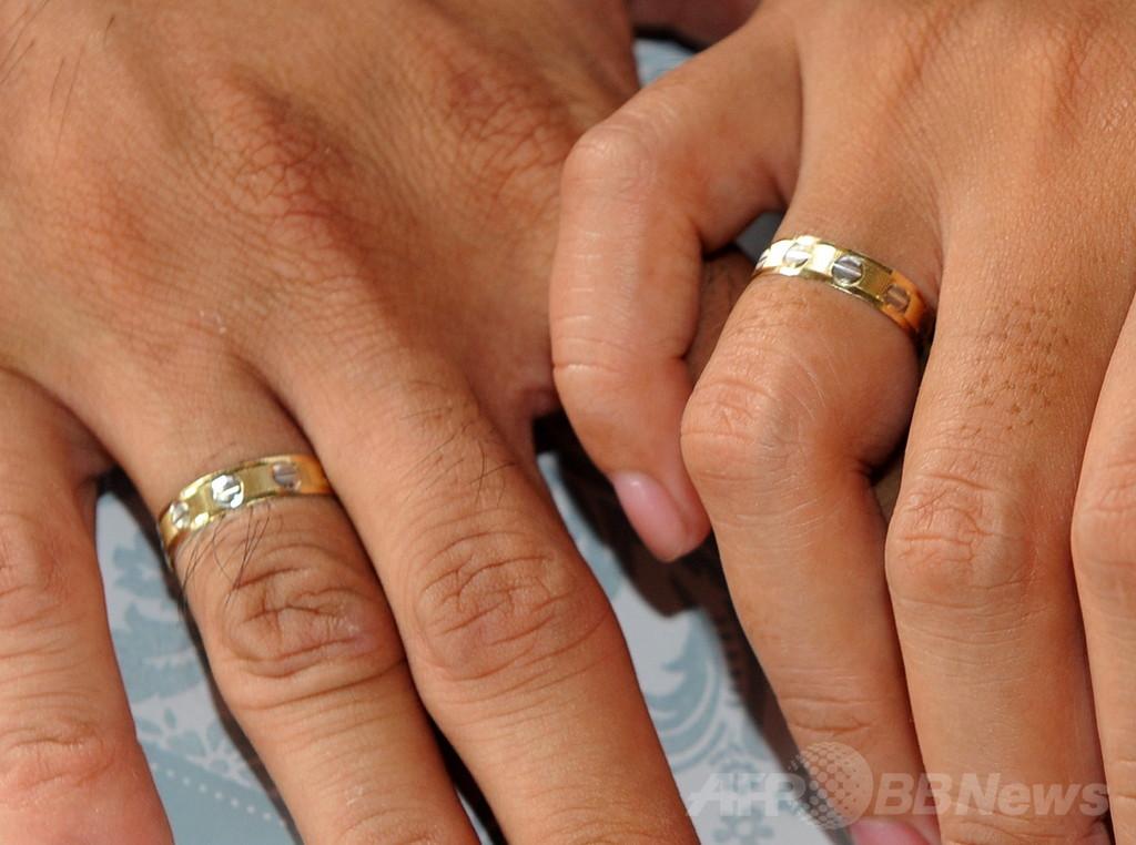 12歳の娘を「結婚」させた父を逮捕、豪