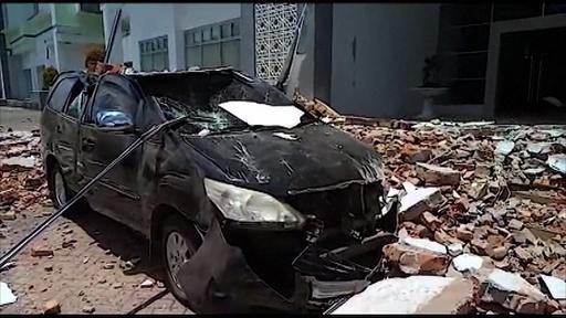 動画:インドネシア東部マルク諸島でM6.5の地震、20人死亡 現地の映像