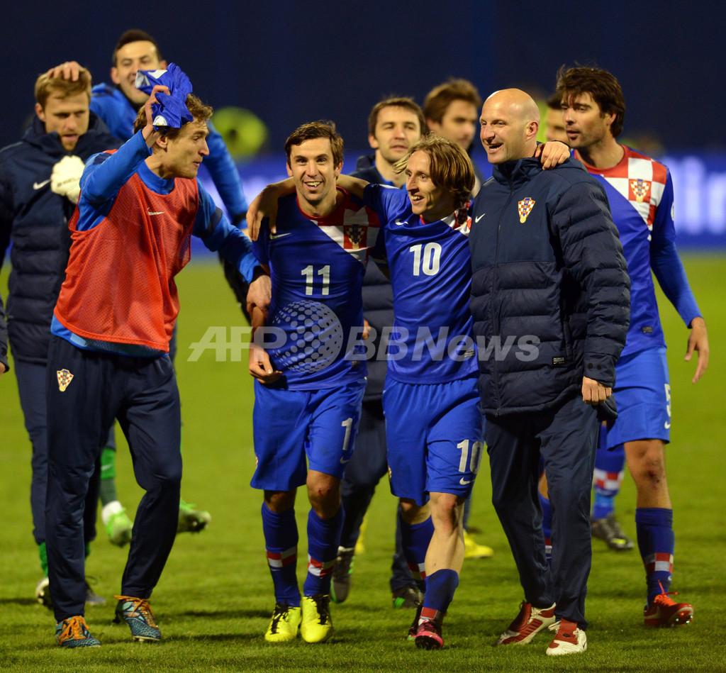 クロアチア、セルビアとの「歴史的一戦」に勝利 W杯欧州予選