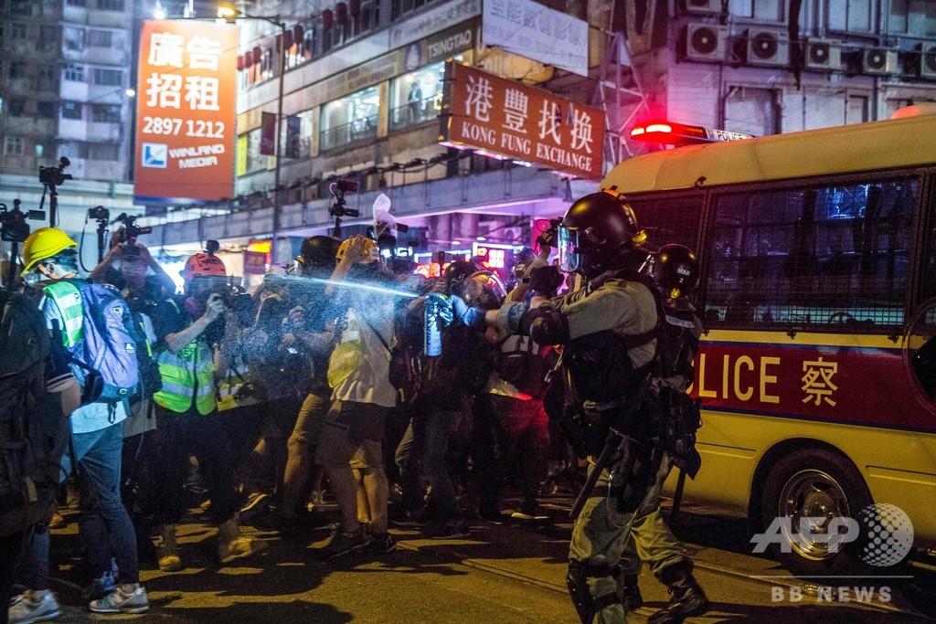 香港警察、中国建国記念日の抗議デモに警告 「非常に危険」