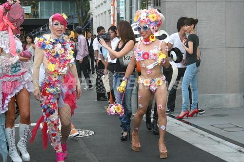 国内最大級「kitson 表参道店」オープン、沢尻エリカが祝福!