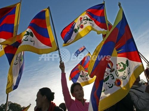 中国当局、チベット旗の生産工場を強制捜査