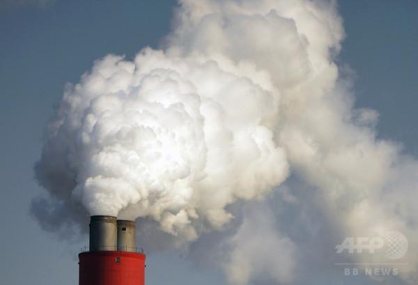 温暖化ガス抑制の経済効果、病気など減り十分「黒字」に 研究