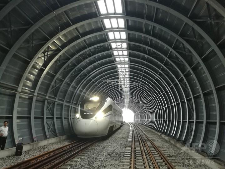 野鳥に配慮した防音アーチ 中国高速鉄道