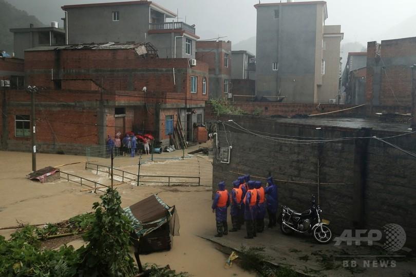台風13号、中国で死者17人 降水量過去100年で最多