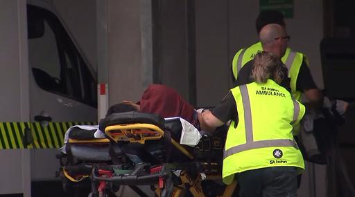 NZのモスクで銃乱射、容疑者4人拘束 死傷者多数か
