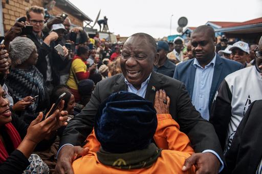 南ア総選挙、与党ANCが過半数維持 得票率は伸びず