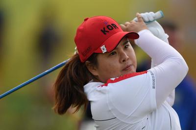 朴仁妃が単独首位、ルイスが猛チャージで2位浮上 ゴルフ女子