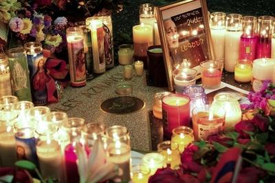 仏シャンソン歌手アズナブールさんは自然死、検視結果