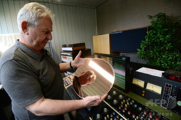 レコード盤を復活させるチェコの村