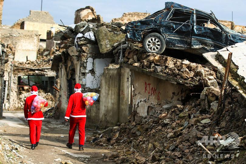 【今日の1枚】サンタはここにもやって来た イラク・モスル