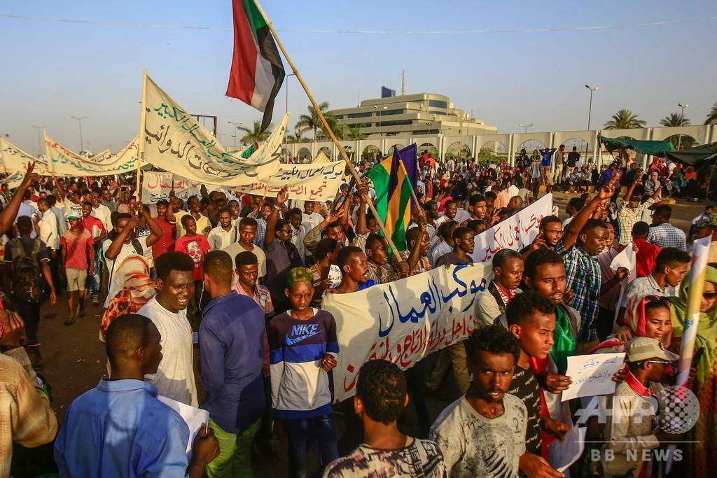 スーダンのバシル前大統領を尋問へ 資金洗浄とテロ資金供与の容疑で