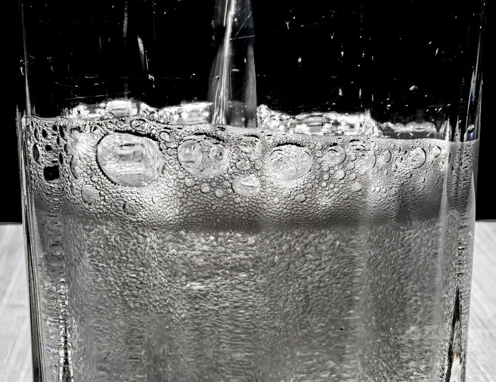 英国、飲料に「砂糖税」導入へ 肥満対策で