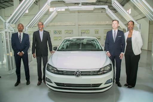 ルワンダ初の国産自動車が完成 VWのポロ、大統領「経済改革の新章」