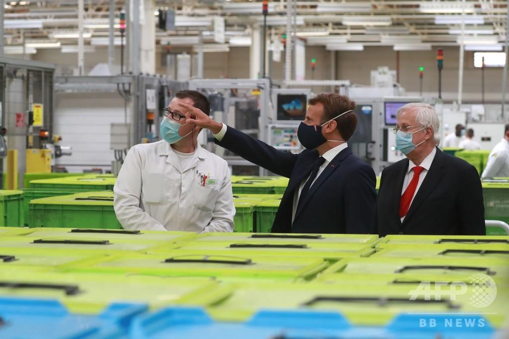 仏大統領、EV拡大で国内自動車業界の再生目指す 9400億円支援表明