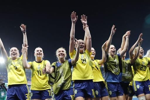スウェーデンが女子W杯8強入り、守護神が殊勲のPKストップ
