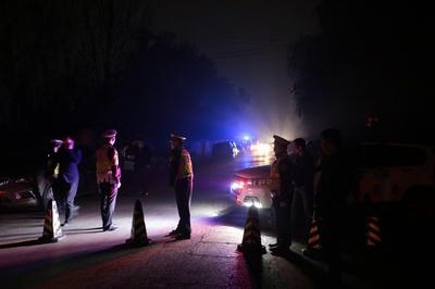 西安でタンクローリーとワゴン車が衝突、10人死亡