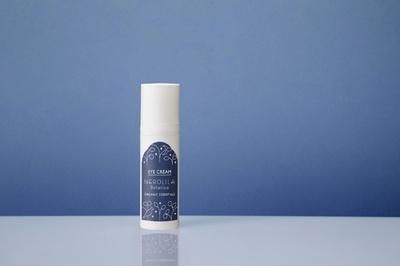 「ネロリラ ボタニカ」青の自然由来成分で目元を潤す「アイクリーム ニュイ」
