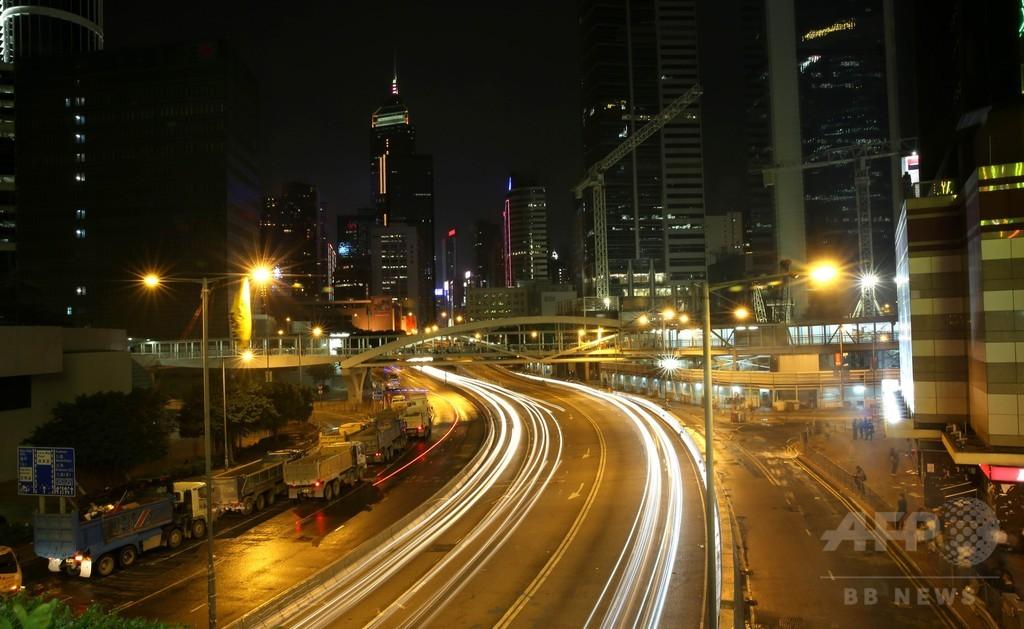 香港警察、金鐘の強制排除で209人を逮捕