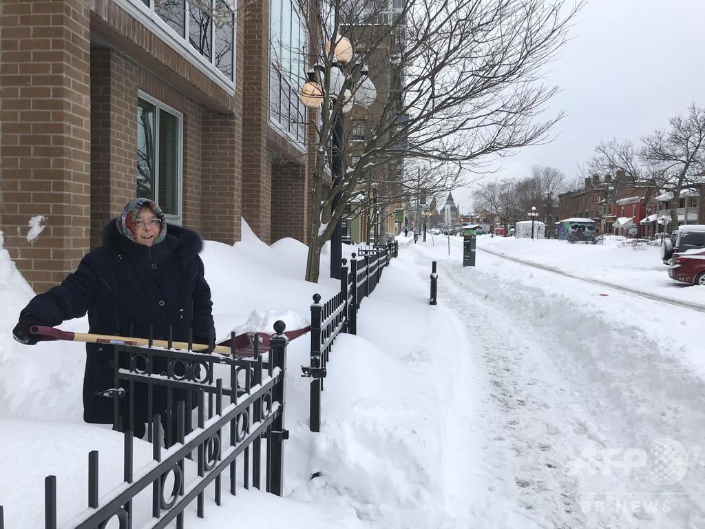雪に数週間埋もれていた家から70代男性救出、カナダ首都