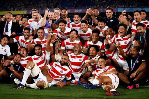 日本が歴史的なラグビーW杯8強、スコットランドを撃破