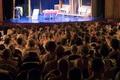 出演者も観客も全裸の演劇、仏パリの劇場で初上演