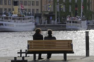 「勤務中にセックス休憩を」市議が提案 スウェーデン