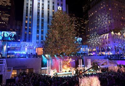 クリスマスの定番曲、#MeToo運動受け放送中止に 米ラジオ局