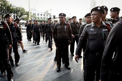タイ軍事政権、政治活動を解禁 総選挙を来年に控え
